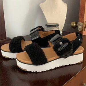 UGG Le Fluff Sandal BRAND NEW